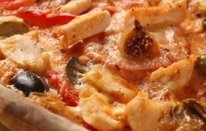 Куряча піца з інжиром