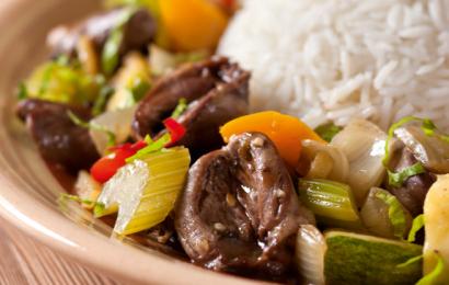 Сердца куриные с овощами в соевом соусе